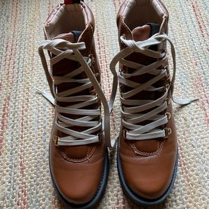 Steven Madden lace up boots